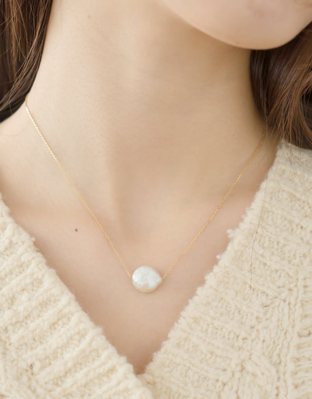 9025_Freshwater pearl necklace