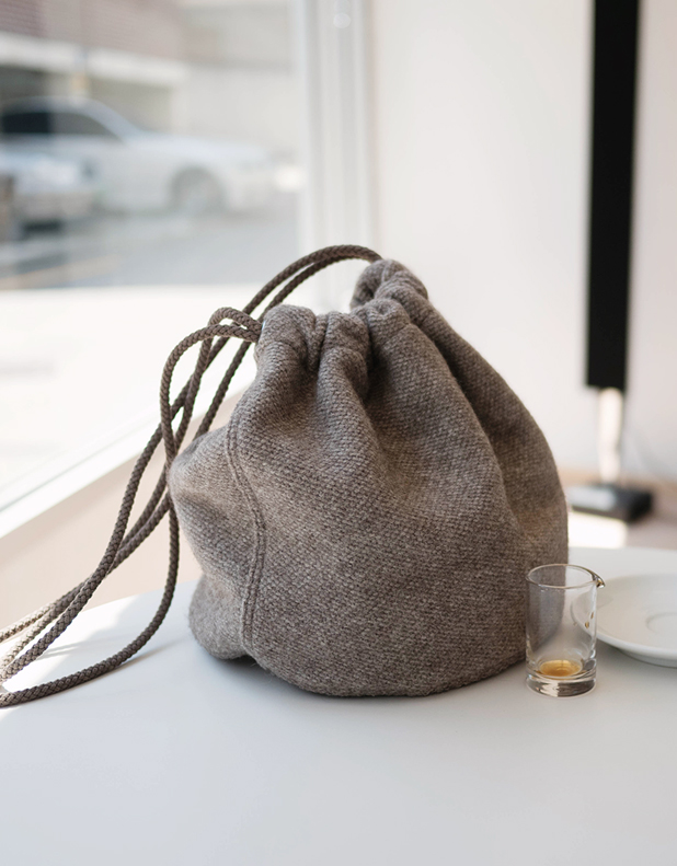 Cashmere bucket Bag