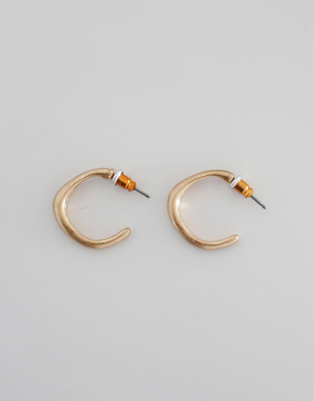 8346_Vintage Gold Earring