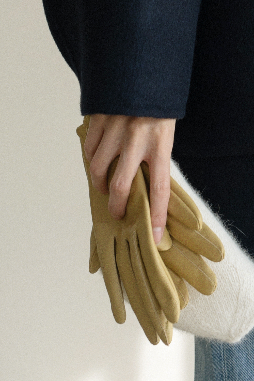 8678_Closing Leather Gloves